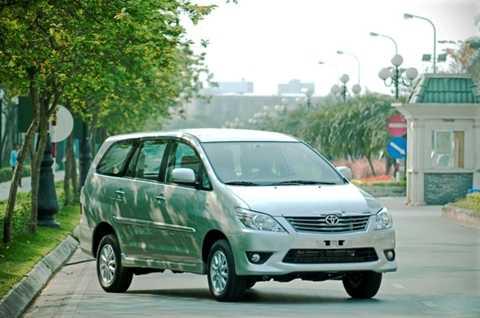 Toyota Việt Nam triệu hồi 764 xe Innova để thay hai cửa sau