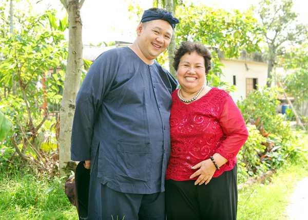 Mẹ Minh Béo bị sốc nặng khi nghe tin con trai bị bắt ở Mỹ.