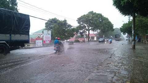 Cơn mưa lớn tại Tp.Buôn Ma Thuột - Ảnh :Thanh Hải