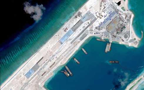 Hình ảnh vệ tinh chụp Đá Chữ Thập, của Việt Nam nhưng bị Trung Quốc chiếm và cải tạo trái phép