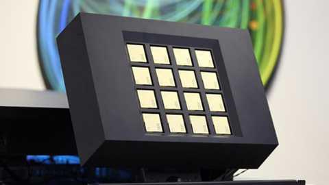 Siêu máy tính mô phỏng não người dựa trên nền tảng 16 chip TrueNorth được sản xuất bởi IBM. Ảnh minh họa: IBM