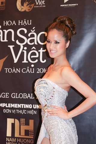Thí sinh Selena Hoai – SBD 28
