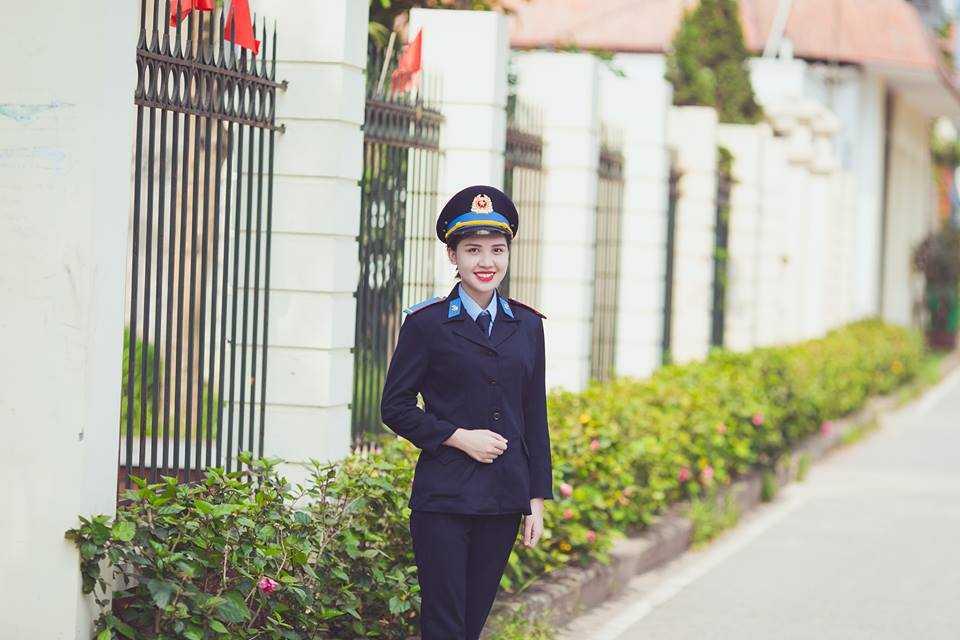 Phạm Minh Phương khỏe khoắn trong đồng phục ngành