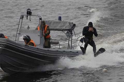 Màn trình diễn của đơn vị huấn luyện chiến đấu đặc biệt Hạm đội Baltic trong lễ kỷ niệm 310 kỷ niệm Hạm đội Baltic tại St Petersburg