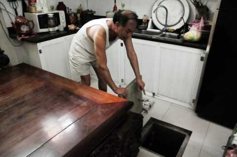 Sau khi có thông báo, gia đình ông Ứng đã kiểm tra lại đường ống nước, bể nước, đồng hồ… nhưng tất cả đều hoạt động ổn định không vỡ, không hỏng.