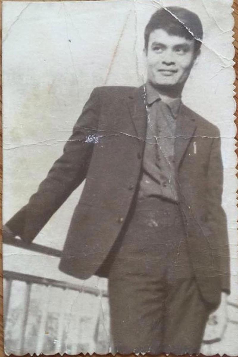 Nhạc sỹ Thanh Tùng thời trẻ.