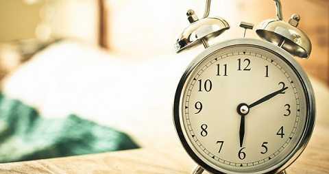 Máy đánh thức sẽ thay thế hoàn toàn chiếc đồng hồ báo thức nhàm chán của con người. Ảnh Google