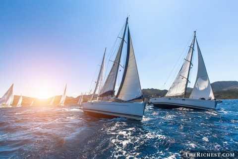 Đua du thuyền triệu USD. Tiêu tốn 8 triệu - 10 triệu USD. Du thuyền là xu hướng của các đại gia trong thời điểm hiện tại. Các đại gia đi du lịch bằng thuyền, tổ chức các bữa tiệc xa hoa trên thuyền và đặc biệt là đua du thuyền. Để có thể cạnh tranh, các đại gia phải tốn hàng triệu USD cho việc