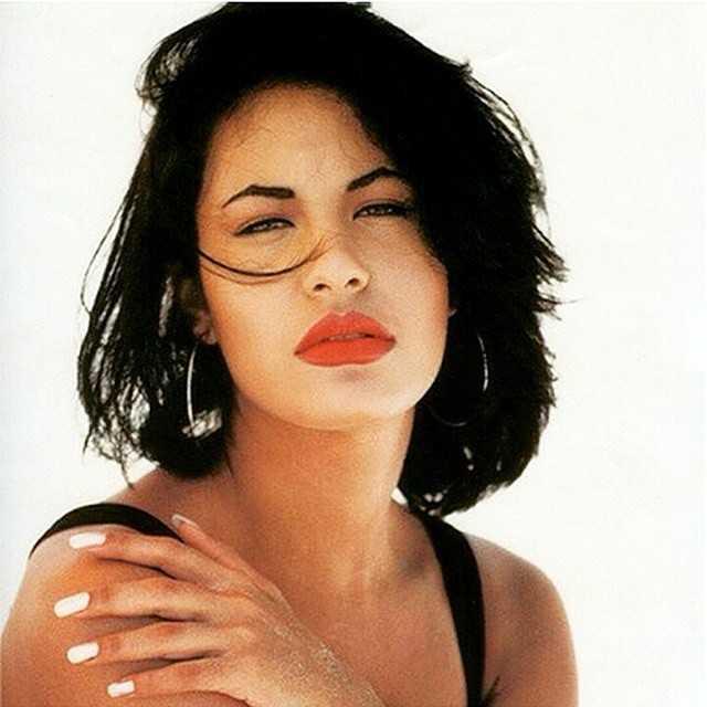 Selena qua đời khi còn quá trẻ vì phát đạn của chủ tịch câu lạc bộ người hâm mộ. Ảnh: DM.