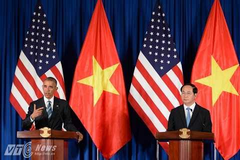 Chủ tịch nước Trần Đại Quang họp báo chung cùng tổng thống Mỹ (ảnh: Tùng Đinh)