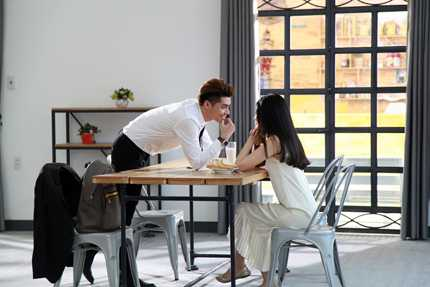 MV lần này Noo thực hiện cùng đạo diễn Đinh Hà Uyên Thư