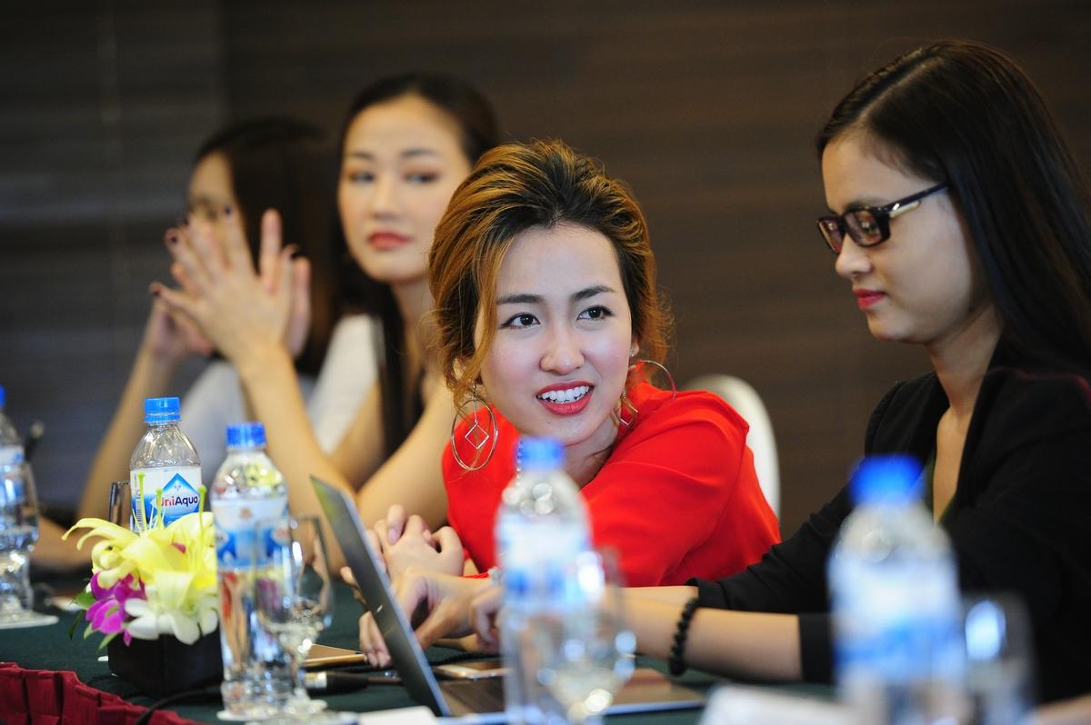Nữ DJ nóng bỏng, xinh đẹp Trang Moon