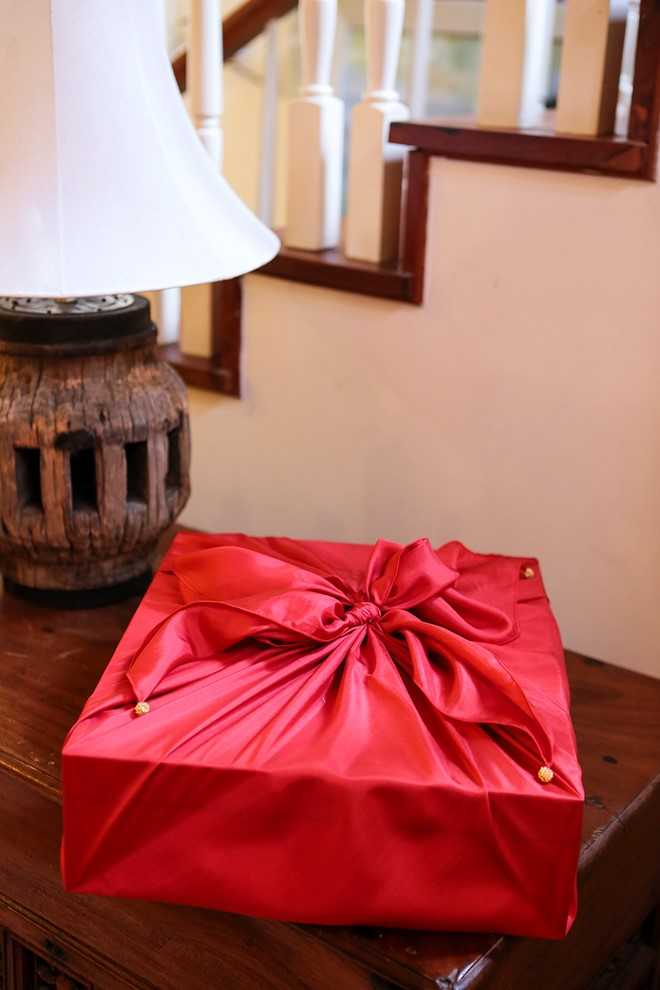 Món quà được gói cẩn thận, trang nhã - Ảnh: Zing