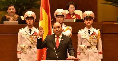 Thủ tướng Nguyễn Xuân Phúc tuyên thệ nhậm chức. Ảnh: VGP/Nhật Bắc