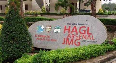 Thông tin HAGL phải thế chấp cả học viện bóng đá khiến cổ phiếu HAG và HNG giảm sàn