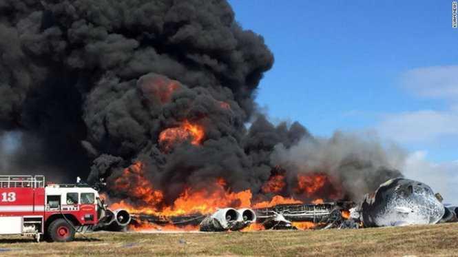 Máy bay B-52 của Mỹ rơi