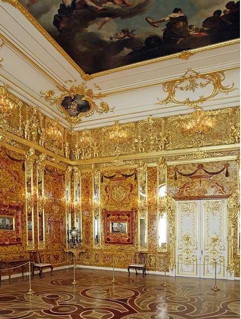 Căn phòng bí mật được trang trí bằng vàng
