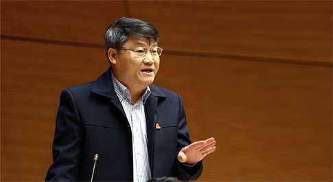 ĐBQH Nguyễn Văn Tiên phát biểu tại Hội trường (Ảnh: Trương Ngọc)