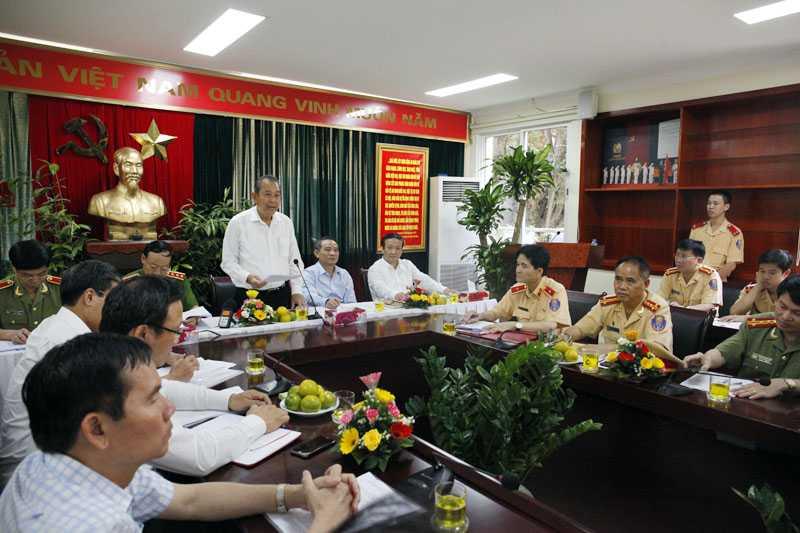 Phó Thủ tướng Trương Hòa Bình làm việc với Phòng CSGT Công an Hà Nội