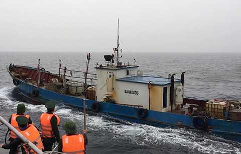 Bắt giữ tàu Trung Quốc xâm phạm chủ quyền vùng biển Việt Nam