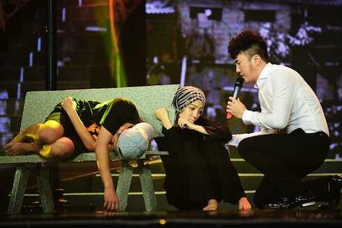 Dương Ngọc Thái diễn bài hát Không nhà.