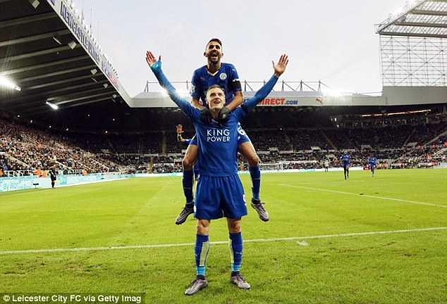 Leicester City chỉ còn cách ngôi vô địch 3 chiến thắng nữa
