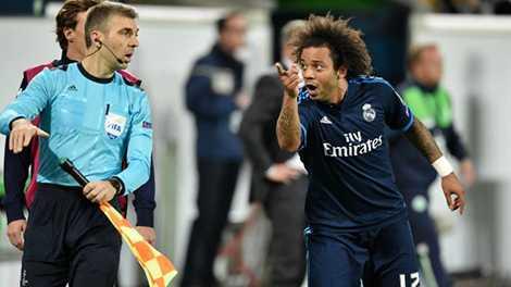 Không chỉ chơi tệ, Marcelo còn để lại ấn tượng xấu với pha ăn vạ thô thiển