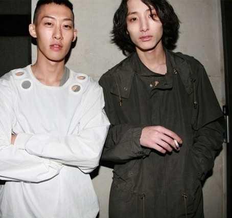 Thân với nam người mẫu, diễn viên Lee Soo Hyuk