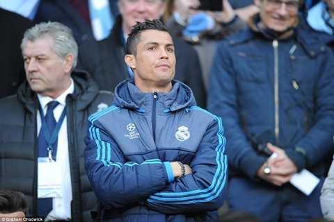 Ronaldo tiếp tục ngồi dự bị