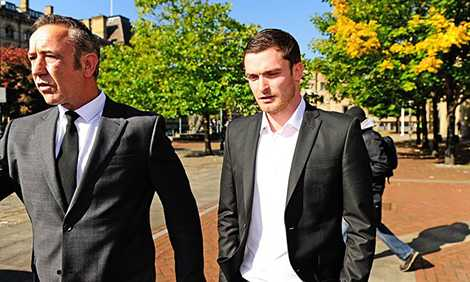 Adam Johnson vẫn thản nhiên khi bị kết án