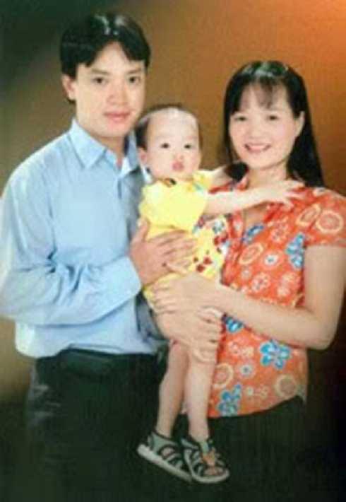 Sau khi tốt nghiệp Đại học, Huệ Anh vào làm ở phòng Thanh tra, Sở Nông nghiệp và Phát triển nông thôn Hà Nội. Sau đó, cô chuyển sang công tác tại một ngân hàng. Bí thư Hạ xinh đẹp ngày nào đã lập gia đình và có hai con, một trai, một gái.