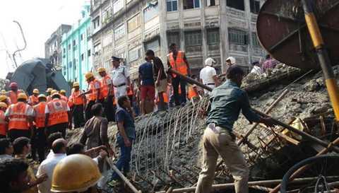 Các đội cứu hộ nỗ lực tìm kiếm người mất tích Ảnh: India Express