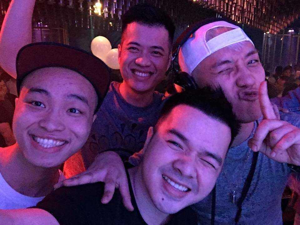 Việc Seungri (Big Bang) bất ngờ có mặt tại Hà Nội khiến fan hâm mộ