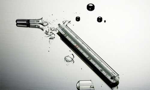 Thủy ngân trở thành kim loại vô cùng độc hại nếu như tiếp xúc với con người