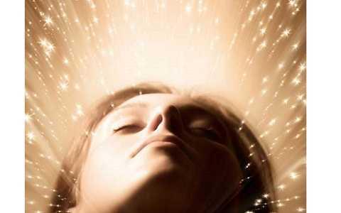 Người phụ nữ có khả năng lần theo dấu vết của người thất lạc qua giấc mơ của mình.Ảnh: Internet.