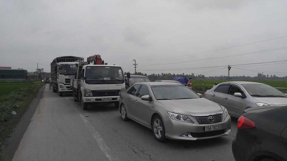 Facebooker Vân Huy Đào chia sẻ cảnh ùn tắc trên cung đường từ Hải Phòng đến Thái Bình