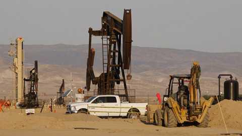 Hàng loạt tập đoàn năng lượng dầu khí Mỹ xin phá sản.