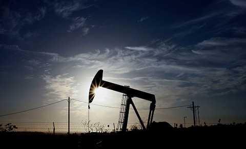 Nước Mỹ đang trả giá cho cuộc chiến giá dầu do chính họ khởi xướng.