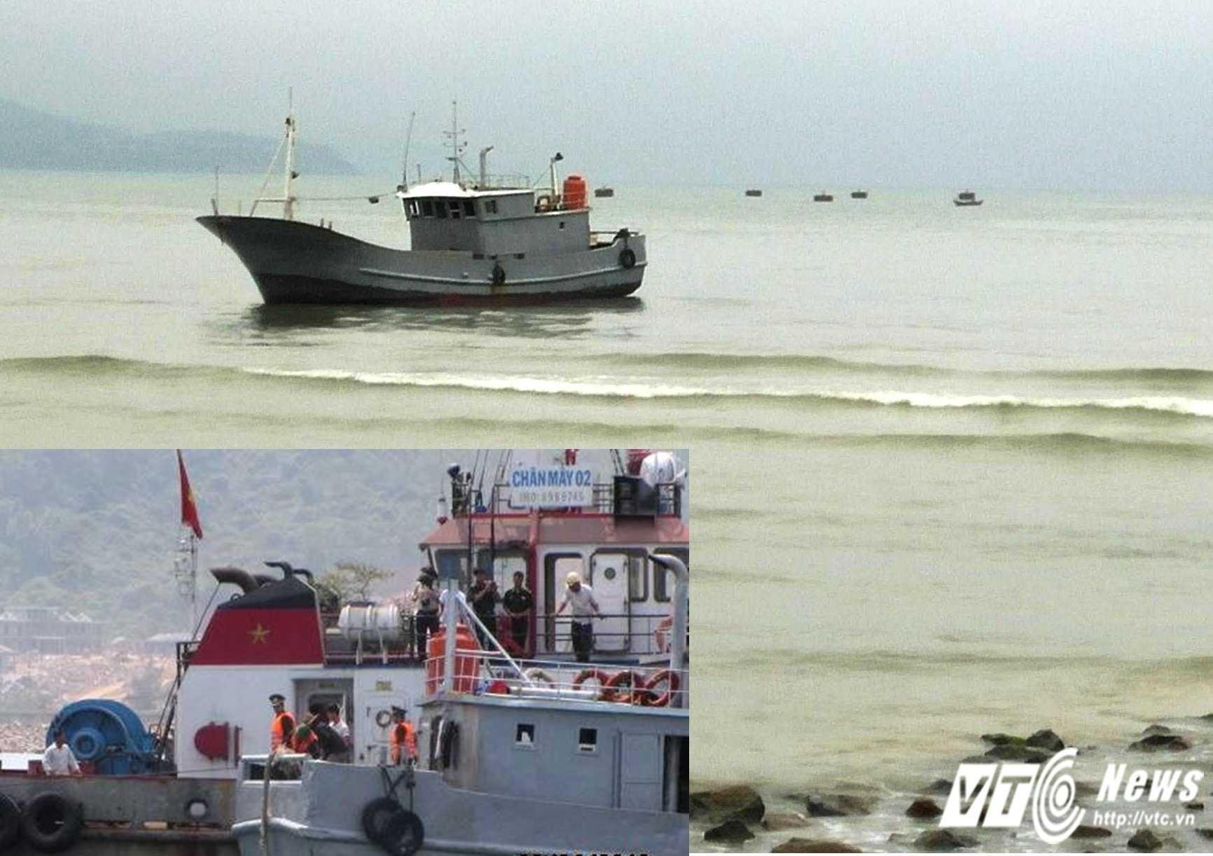 Lực lượng chức năng cứu hộ thành công chiếc tàu cá Trung Quốc đi lạc và mắc cạn ở vùng cửa biển Việt Nam.