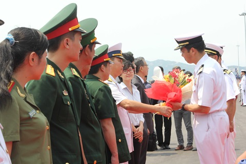 Lễ đón các thành viên trong đoàn của 2 tàu Nhật Bản