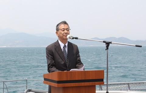 Đại sứ Nhật Bản tại Việt Nam đọc thư của Bộ trưởng Quốc phòng Nhật Bản gửi Đại tướng Phùng Quang Thanh, nguyên Bộ trưởng Quốc phòng Việt Nam.