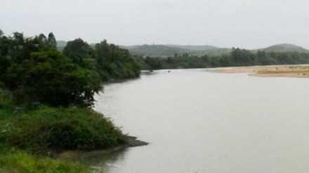 Bờ sông nơi xảy ra vụ cưa bom khiến 3 người tử vong