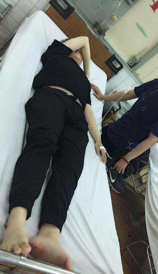 Mai Thái Anh cấp cứu trong bệnh viện.