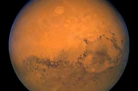 Cơ quan Hàng không vũ trụ Mỹ (NASA) cho rằng trong vòng 14 năm tới con người sẽ duy trì sự sống trên sao Hỏa.