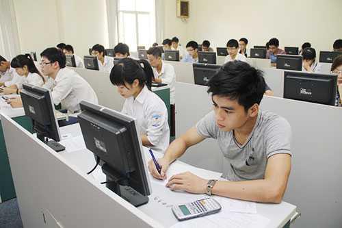 Thí sinh dự thi vào Đại học Quốc gia Hà Nội năm 2015