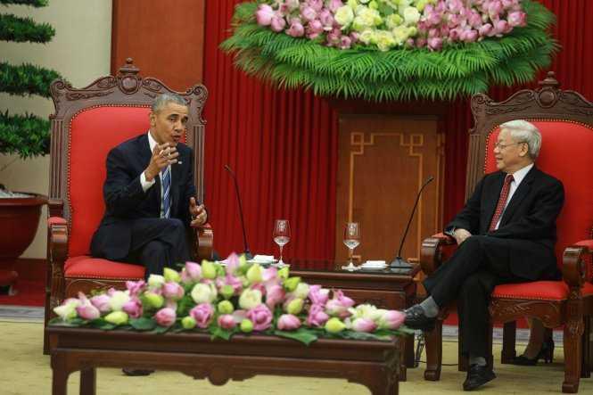 Ngay sau đó, ông Obama có mặt tại buổi chào xã giao Tổng Bí thư Nguyễn Phú Trọng. Đây cũng là hoạt động chính thức cuối cùng trong ngày 23/5 của tổng thống Mỹ (Ảnh: TTO)
