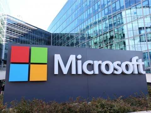Microsoft  - Mặc dù gã khổng lồ công nghệ không còn giữ được vị trí của mình như trong thập niên trước nhưng họ vẫn còn là một tên tuổi lớn – cung cấp môi trường làm việc tuyệt vời  với 70% lượng nhân công hài lòng.