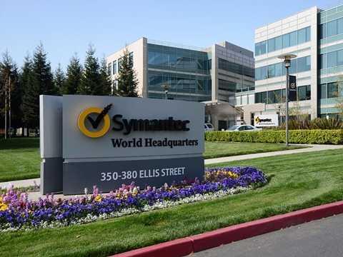 Symantec – Chúng ta đã quen thuộc với Symantec Antivirus nhưng ít khi nhớ đến hãng công nghệ này cũng là một trong nhữngông lớn hàng đầu của công nghệ mạng. Vị trí được trả cao nhất là kỹ thuật viên với mức lương trung bình khoảng 140.000 USD/ năm