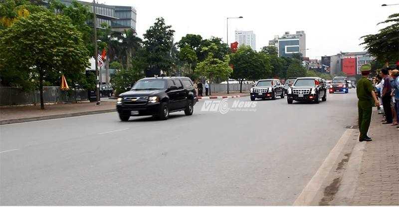 Đoàn xe hộ tống tổng thống Obama (ảnh: Phạm Thịnh)