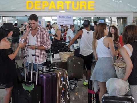 """""""Một sân bay chuẩn bị đón lượng khách lớn   trong dịp Olympic. Hãy liệt kê các vấn đề có thể phát sinh và cách giải   quyết"""" - ứng viên phân tích kinh doanh."""